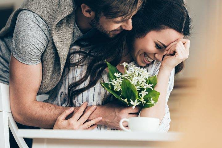Как мужчины влюбляются (психология и этапы)?