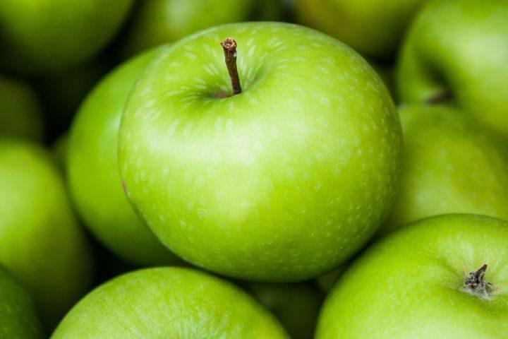 Чем полезны яблоки, по мнению врачей?